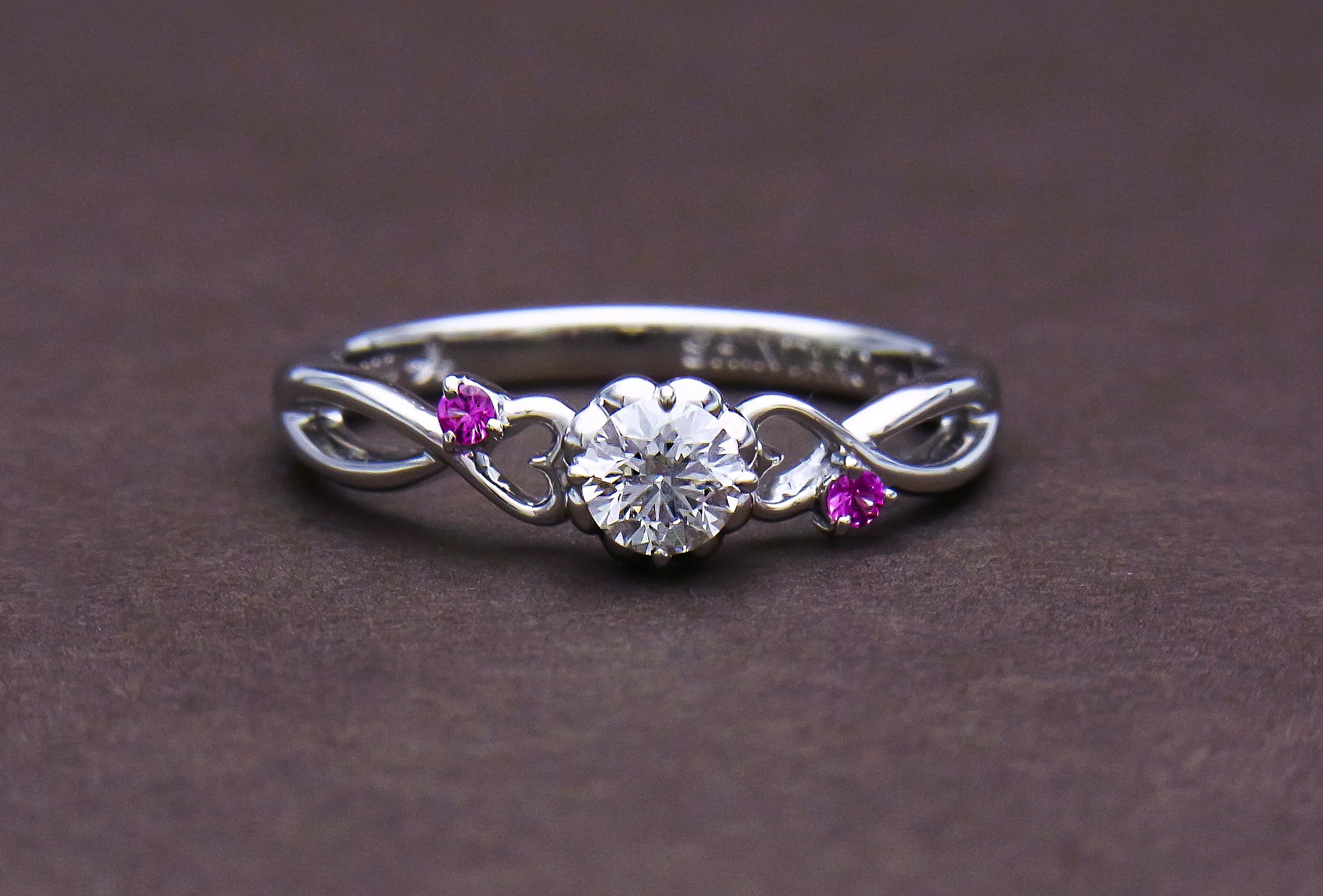 ピンクサファイアダイヤモンドエンゲージリング