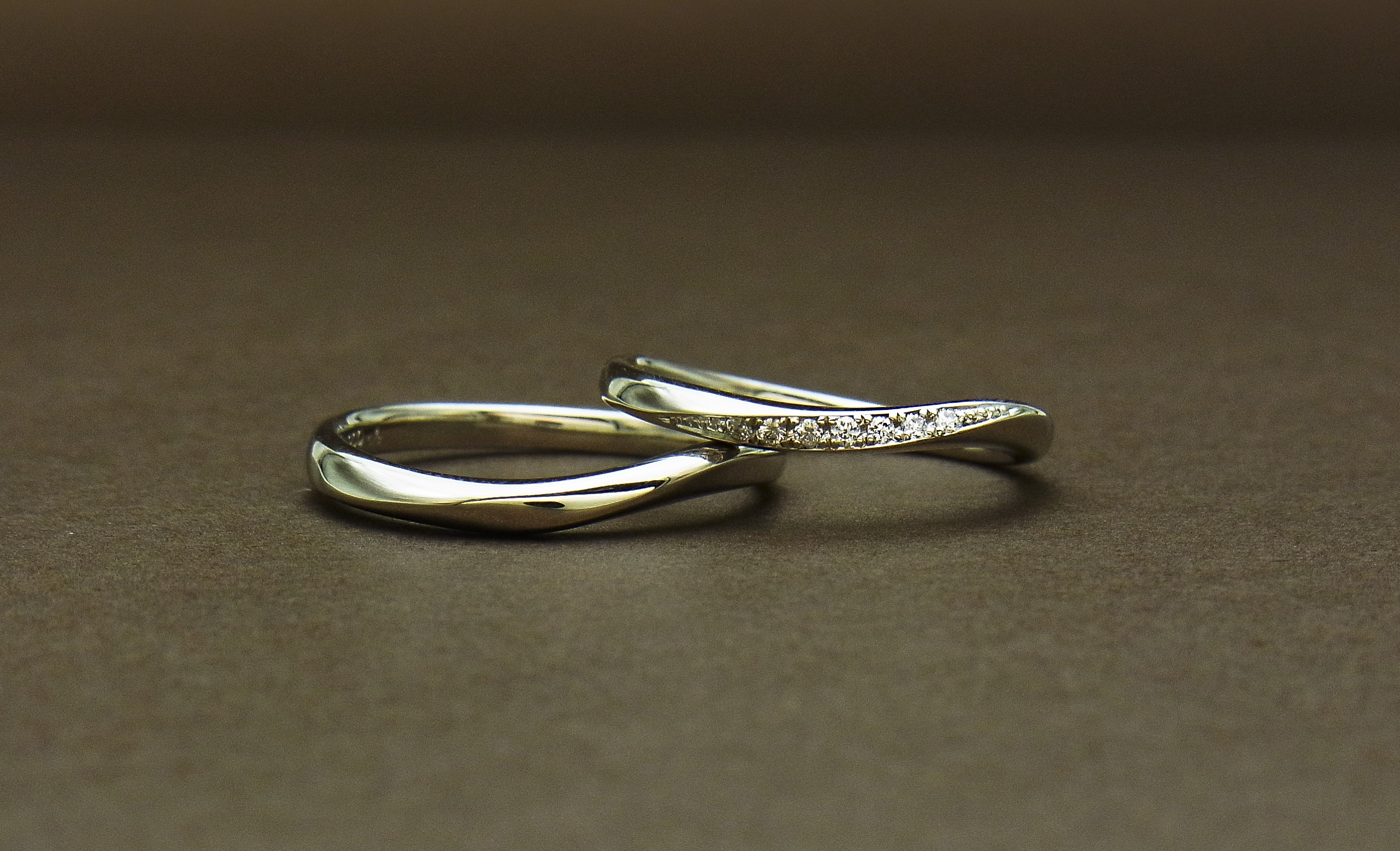 ウェーブライン結婚指輪