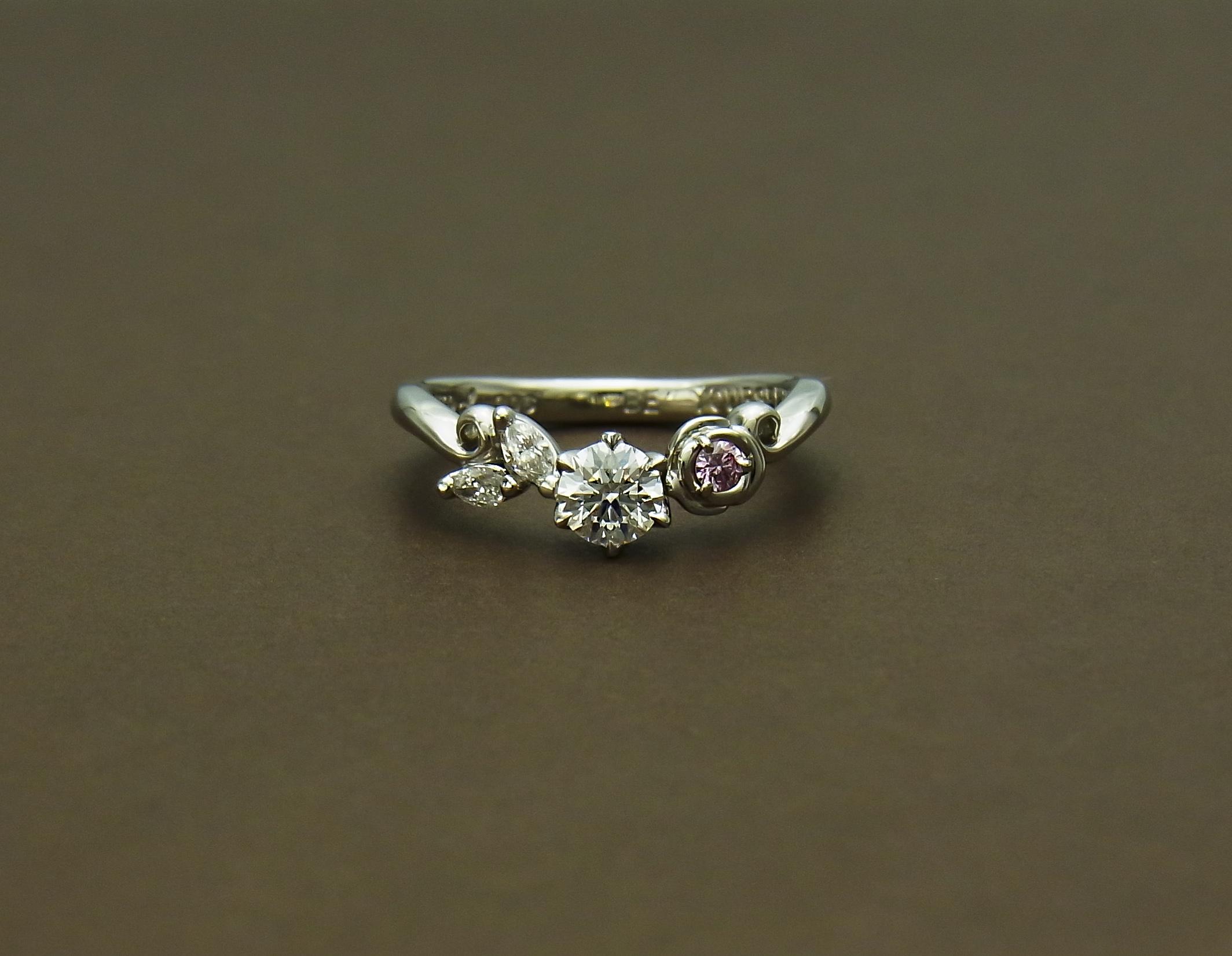 薔薇 ダイヤモンドリング