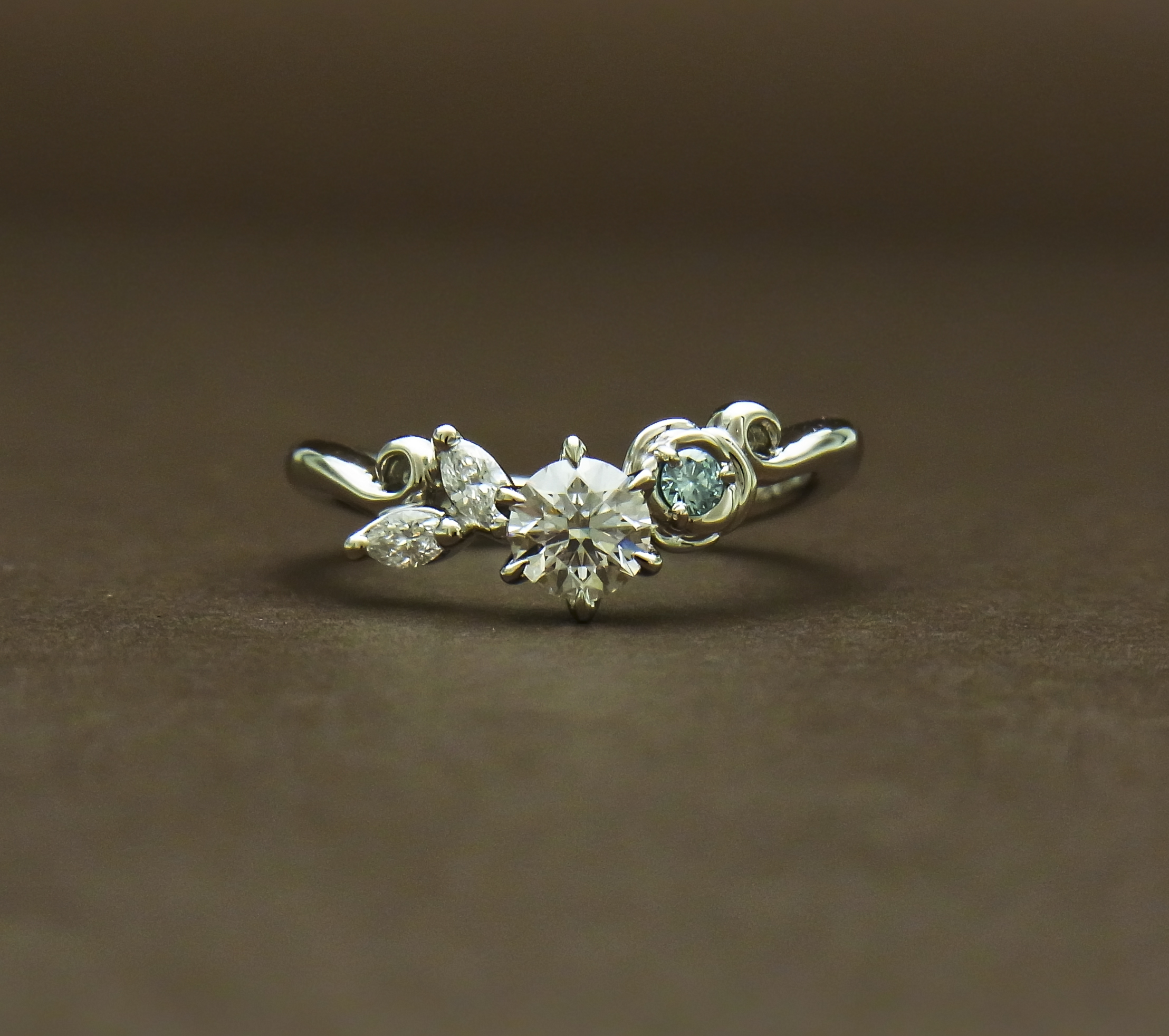 青い薔薇 婚約指輪