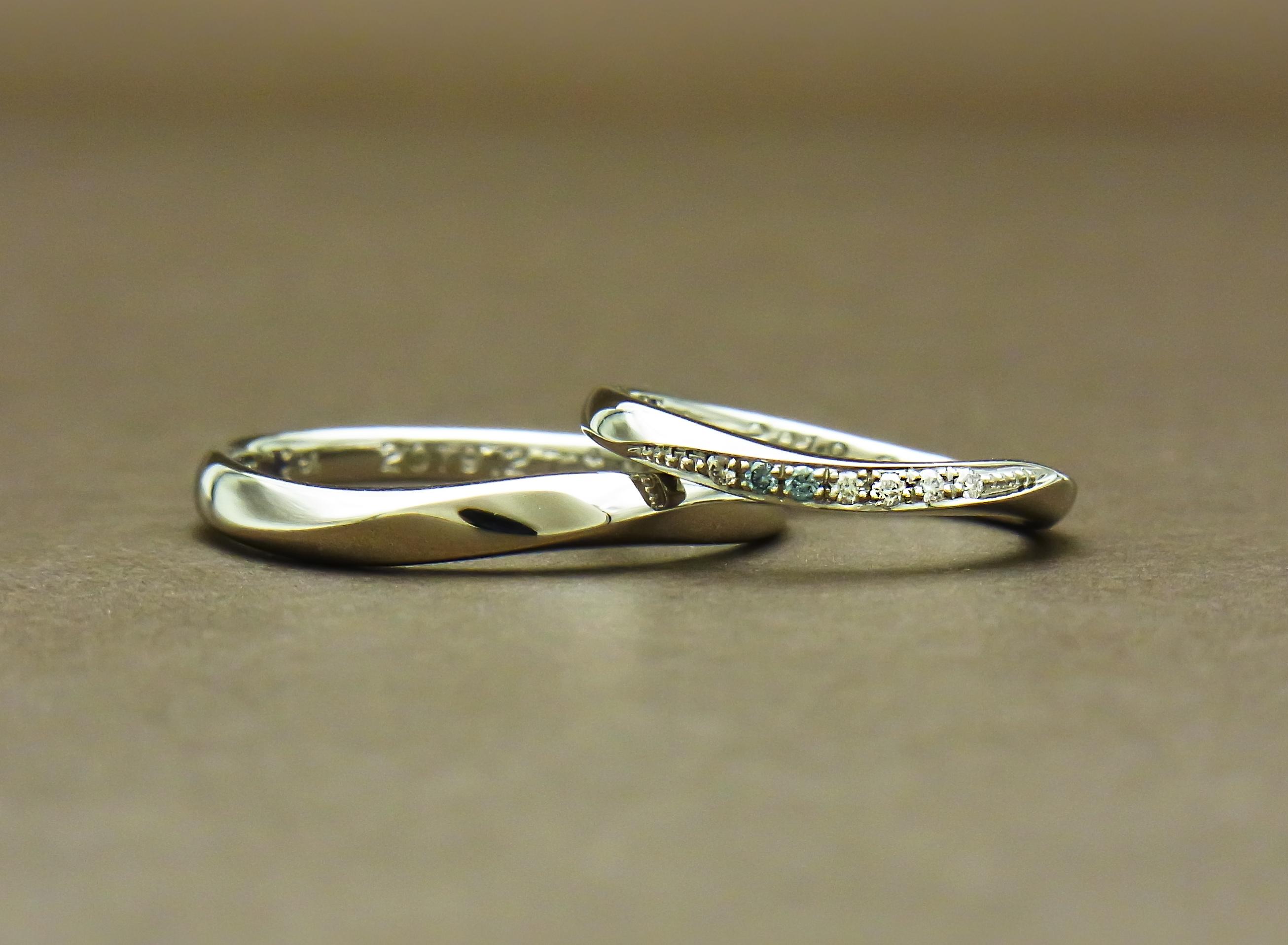 ブルーダイヤモンド結婚指輪